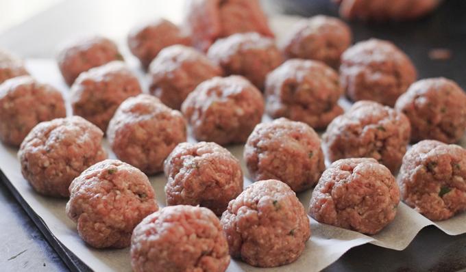 Raw Meatballs 680