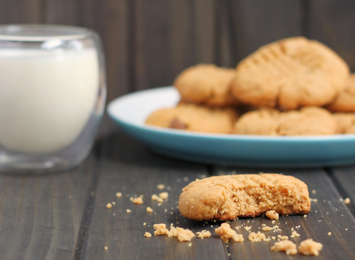 Easy Peanut Butter Biscuit 4